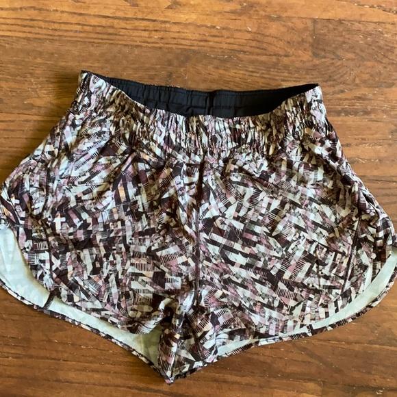 Lululemon tracker running shorts
